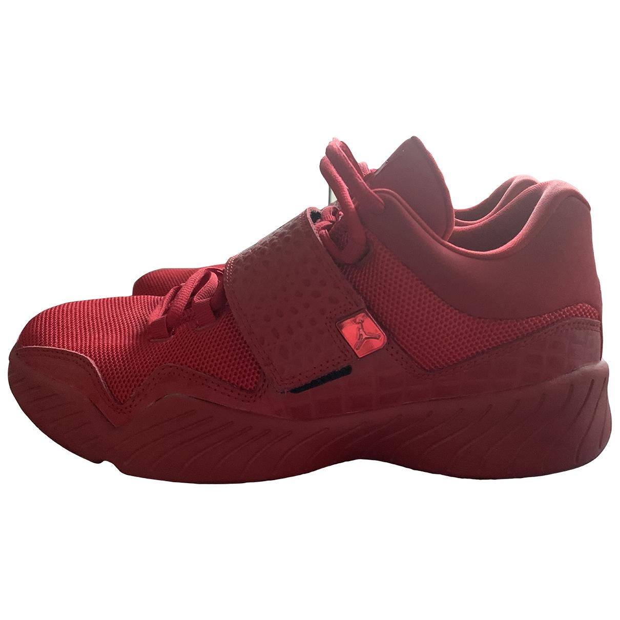 Jordan \N Sneakers in  Rot Polyester