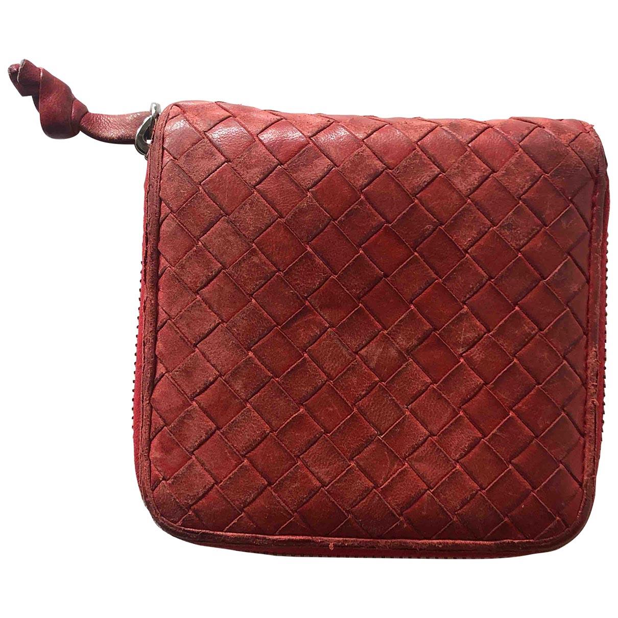 Bottega Veneta Intrecciato Portemonnaie in  Rot Leder
