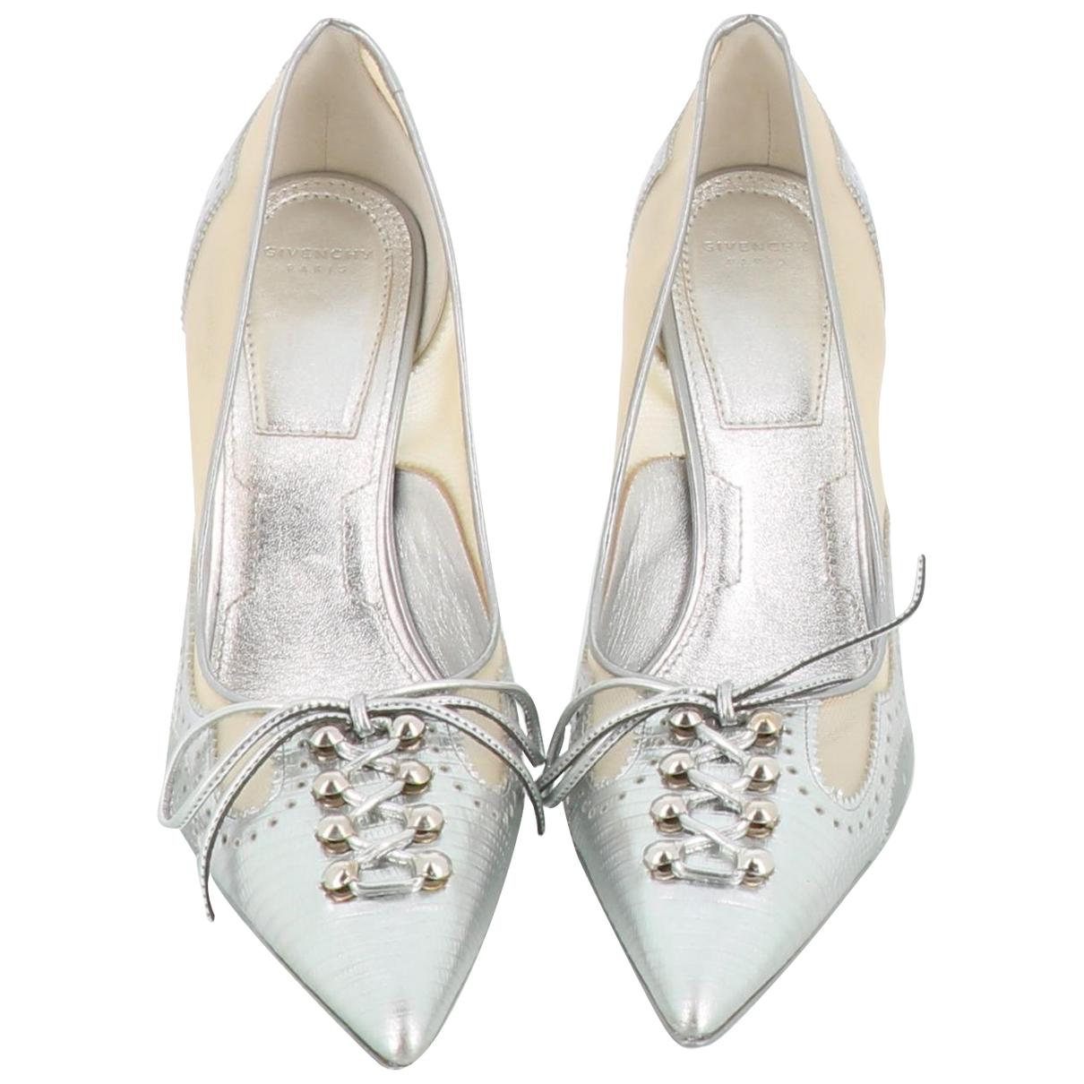 Givenchy \N Pumps in  Silber Leder