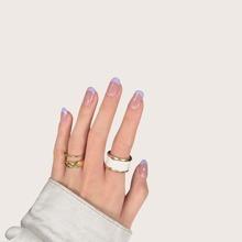24 Stuecke Zweifarbiger kuenstlicher Nagel & 1 Stueck Nagelfeile & 1 Blatt Zweiseitiges Klebeband