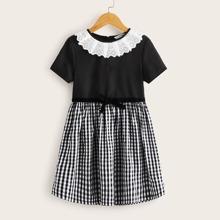 Maedchen Kontrast Kleid
