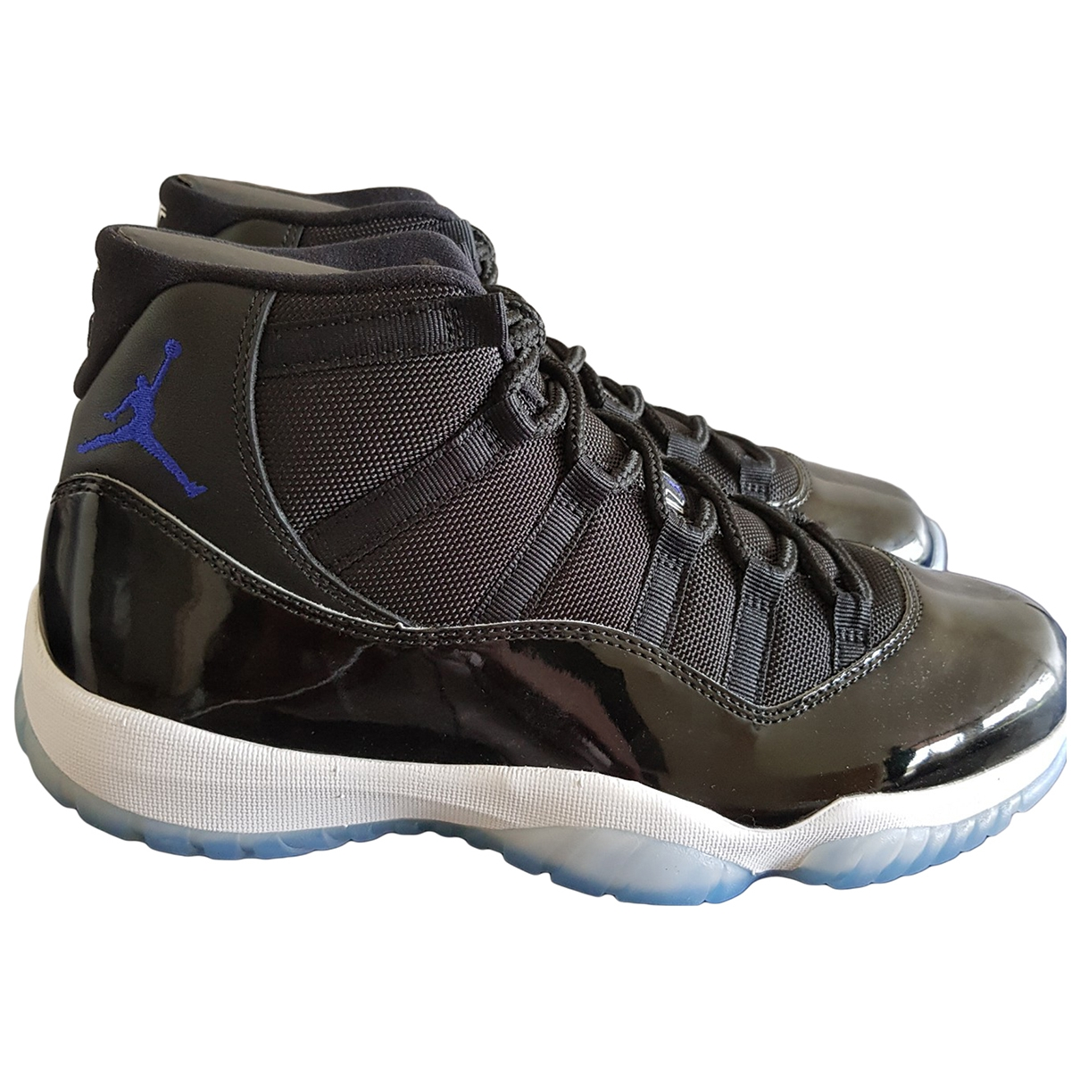 Jordan Air Jordan 11 Sneakers in  Schwarz Lackleder