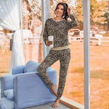 Sweatshirt mit Leopard Muster & Jogginghose