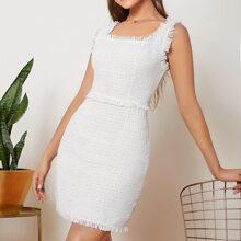 Tweed Kleid mit ausgefranstem Saum