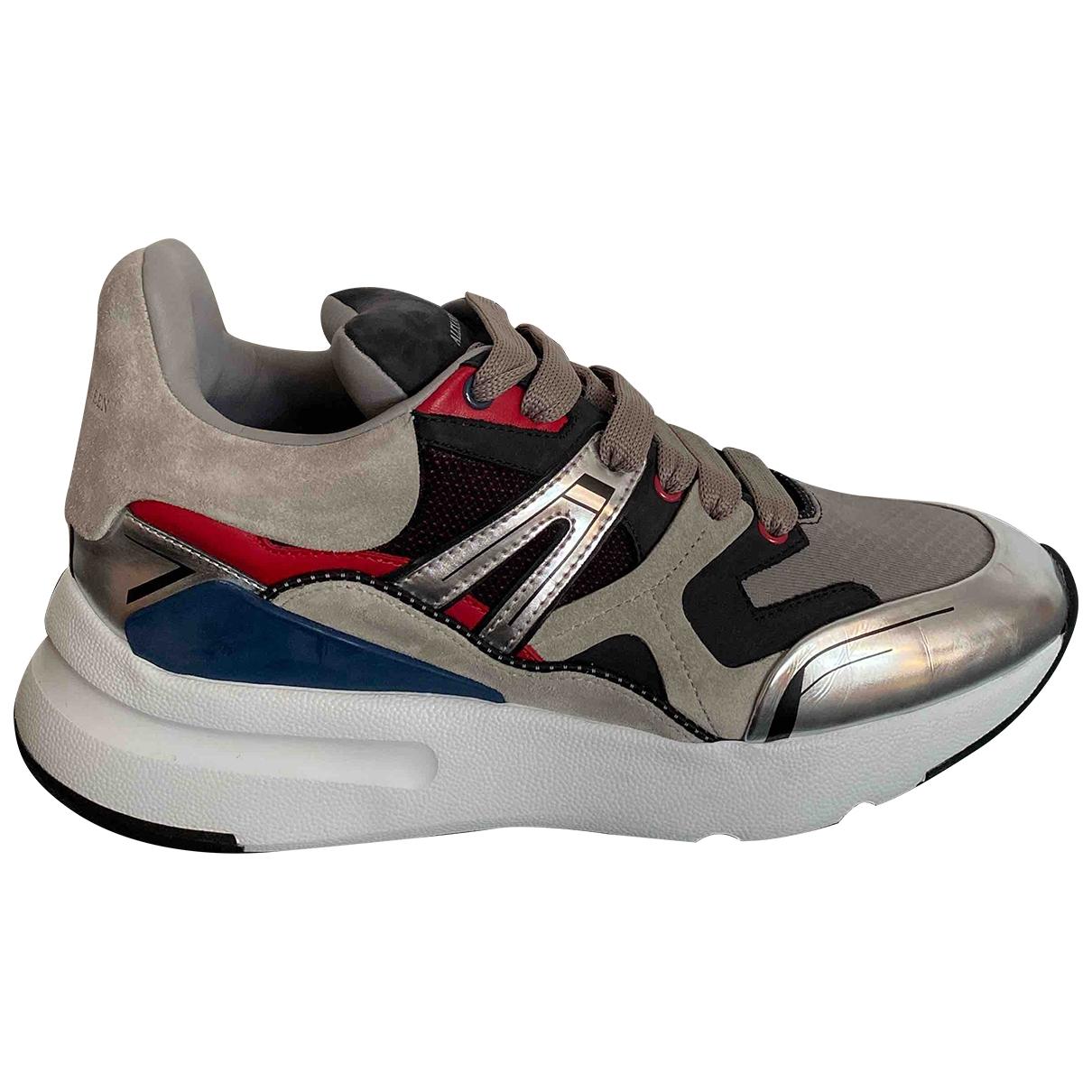 Alexander Mcqueen \N Sneakers in  Grau Leder