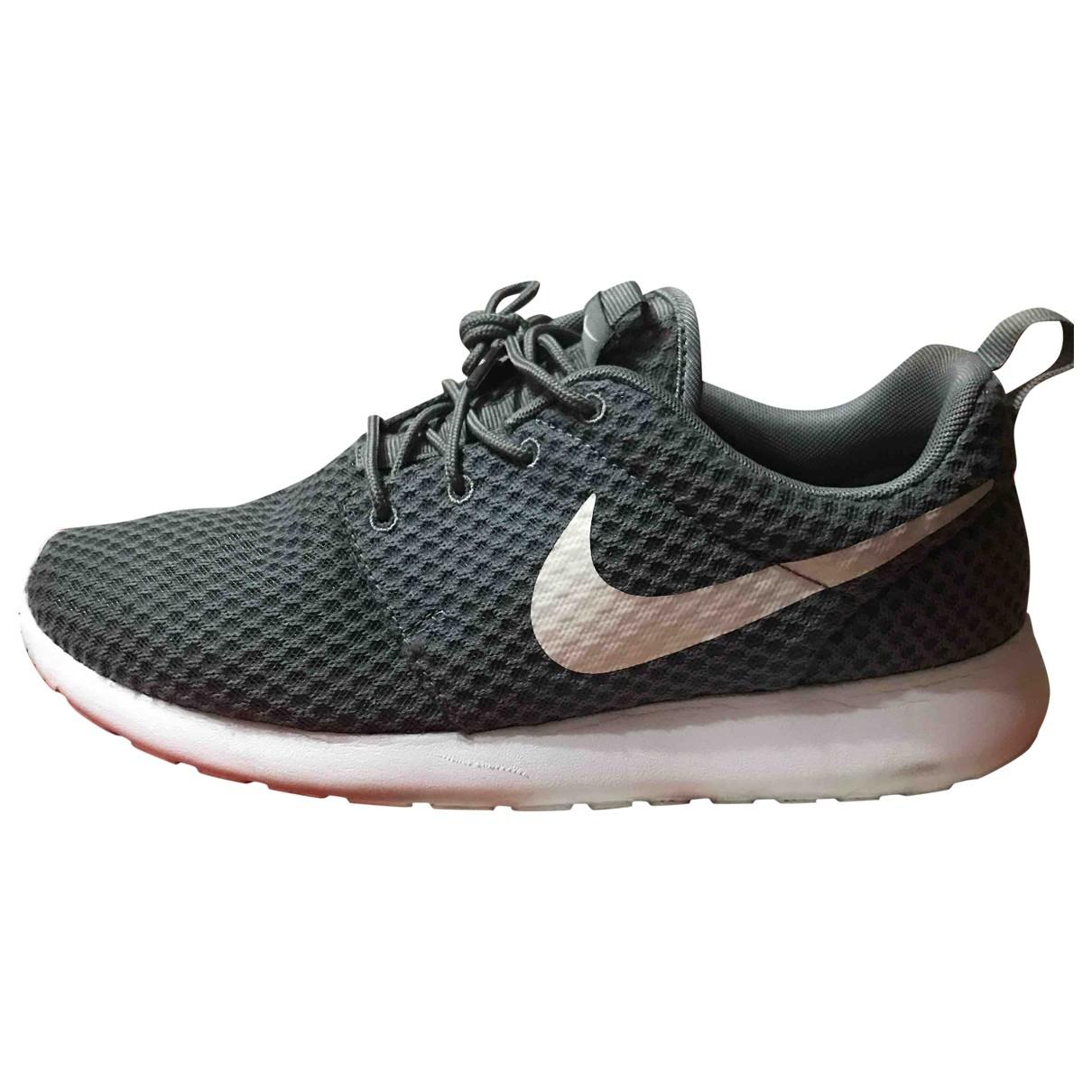 Nike - Baskets Roshe Run pour homme en toile - gris