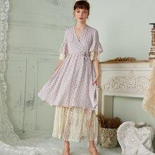 2 In 1 Kleid mit Bluemchen Muster, seitlichem Band und Netzeinsatz