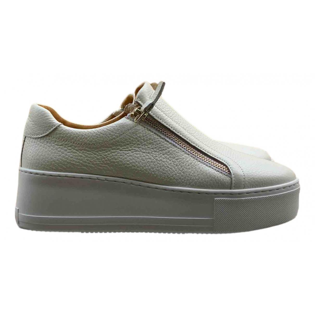 Russell & Bromley \N Sneakers in  Weiss Leder
