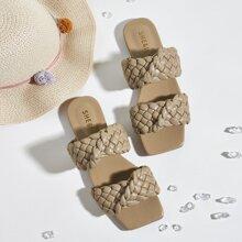 Sandalias trenzadas con doble tira