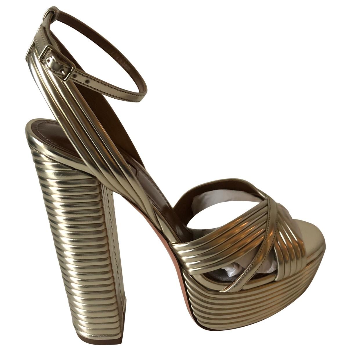 Aquazzura \N Sandalen in  Gold Lackleder