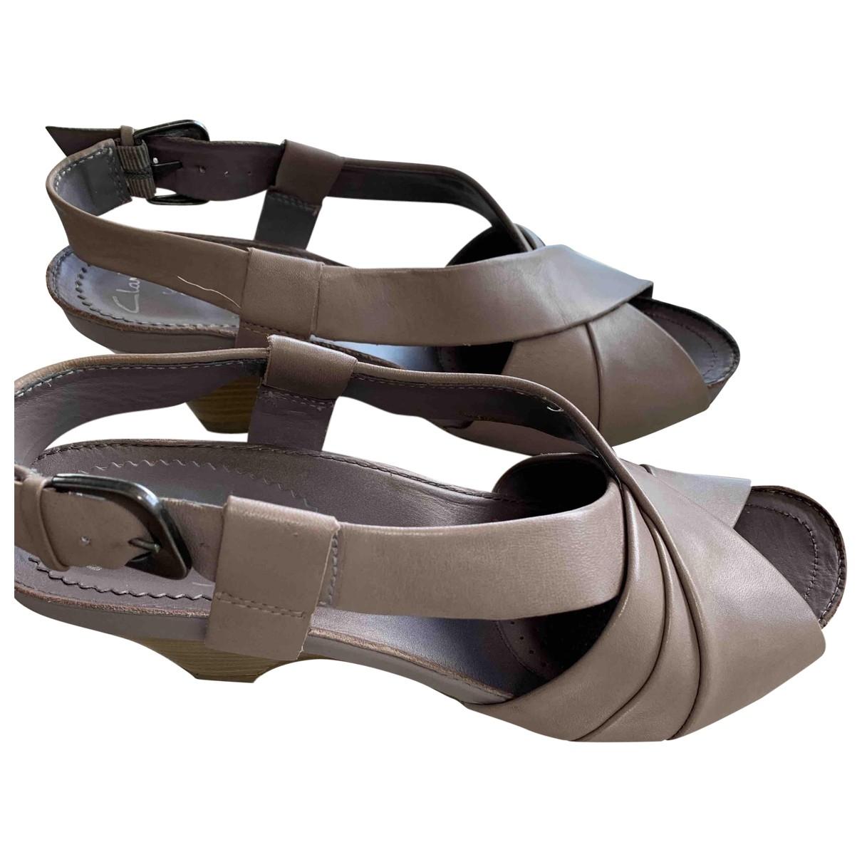 Sandalias de Cuero Clarks