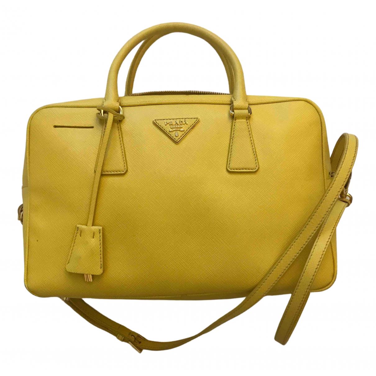 Prada saffiano  Handtasche in  Gelb Leder