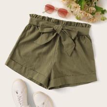 Einfarbige Shorts mit Papiertasche Taille