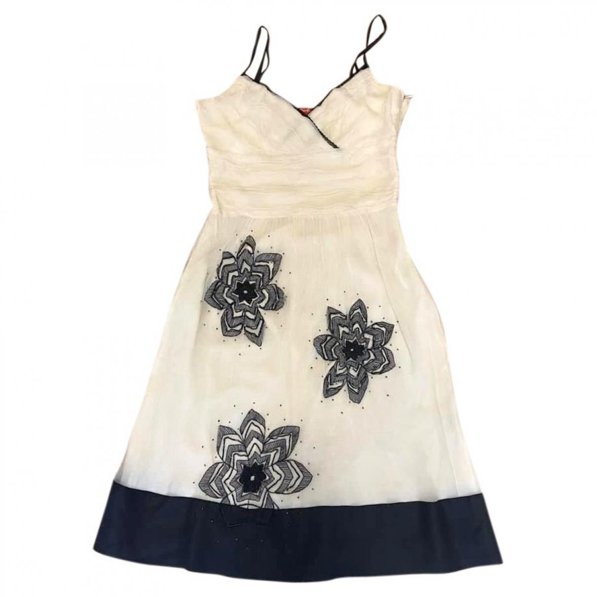 Non Signe / Unsigned \N Kleid in  Beige Viskose