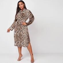 Hemdkleid mit Leopard Muster und Guertel
