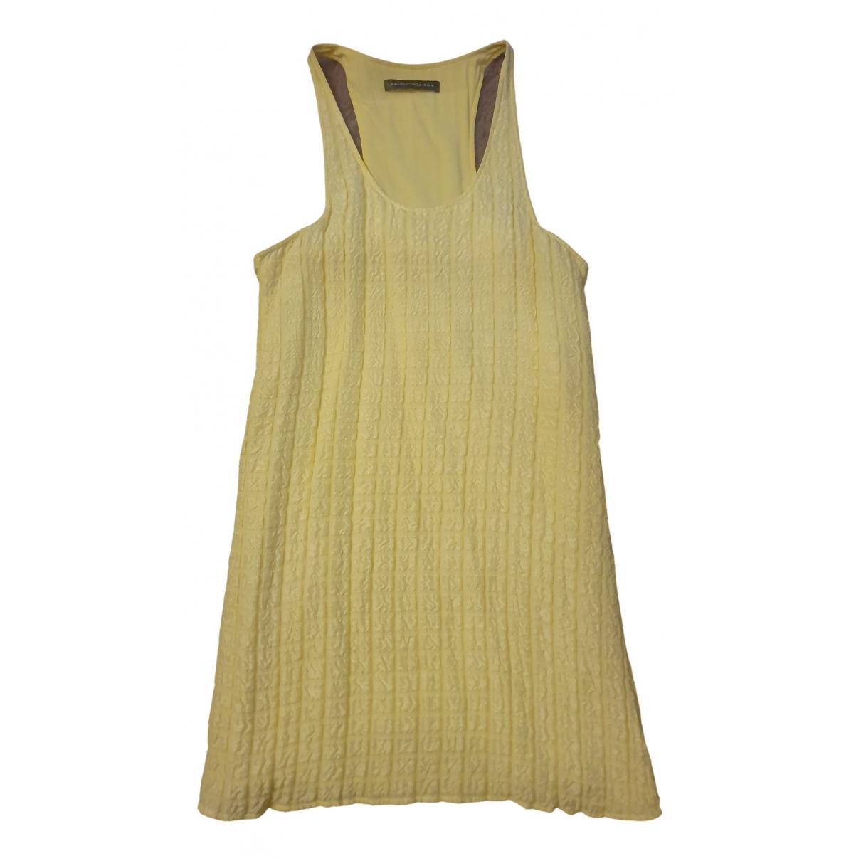 Balenciaga \N Kleid in  Gelb Seide