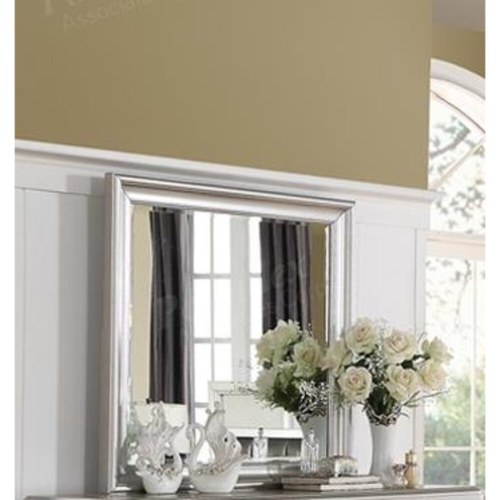 Square Shaped Mirror with Striking Wooden Frame Silver - clear (clear)