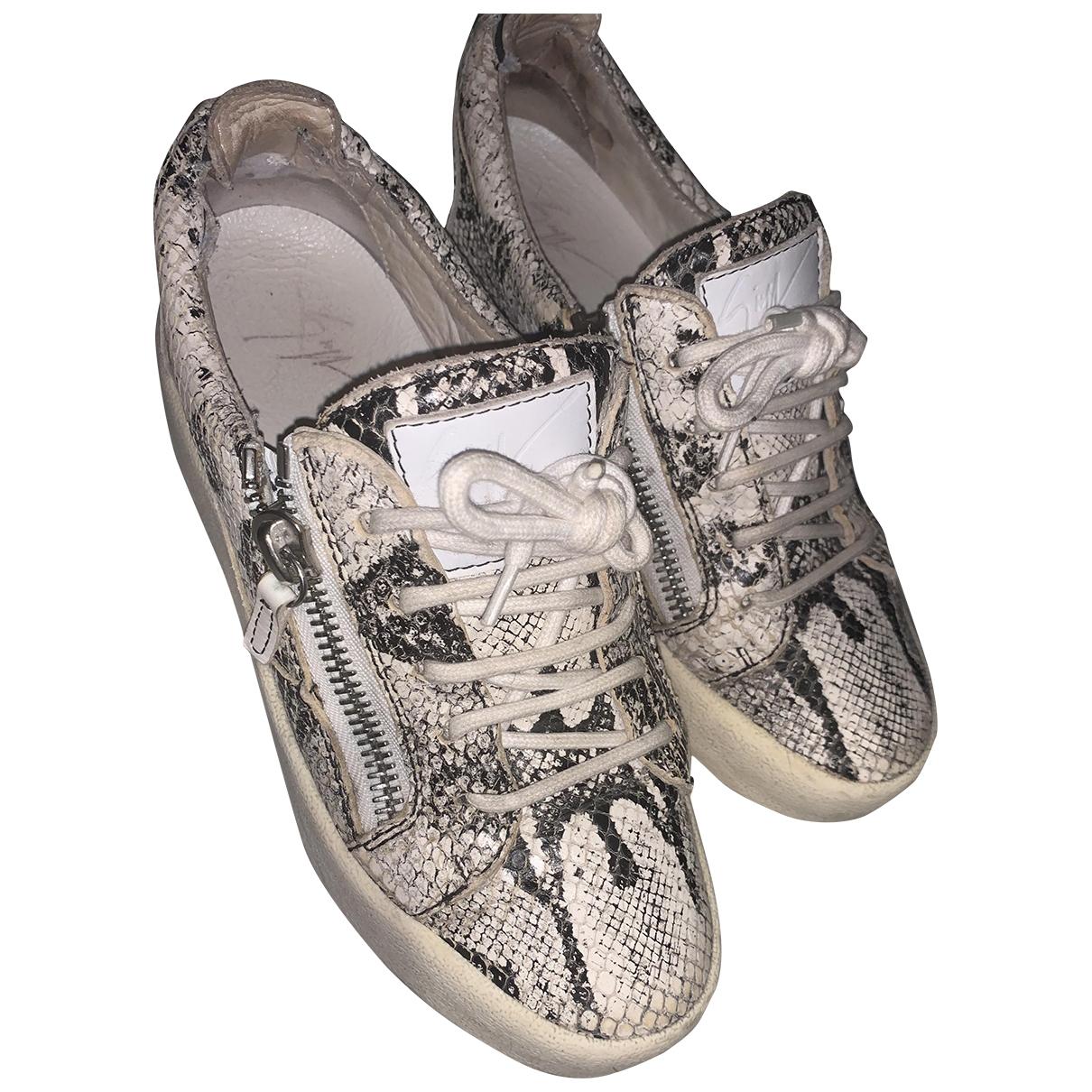 Giuseppe Zanotti Nicki Sneakers in  Weiss Leder