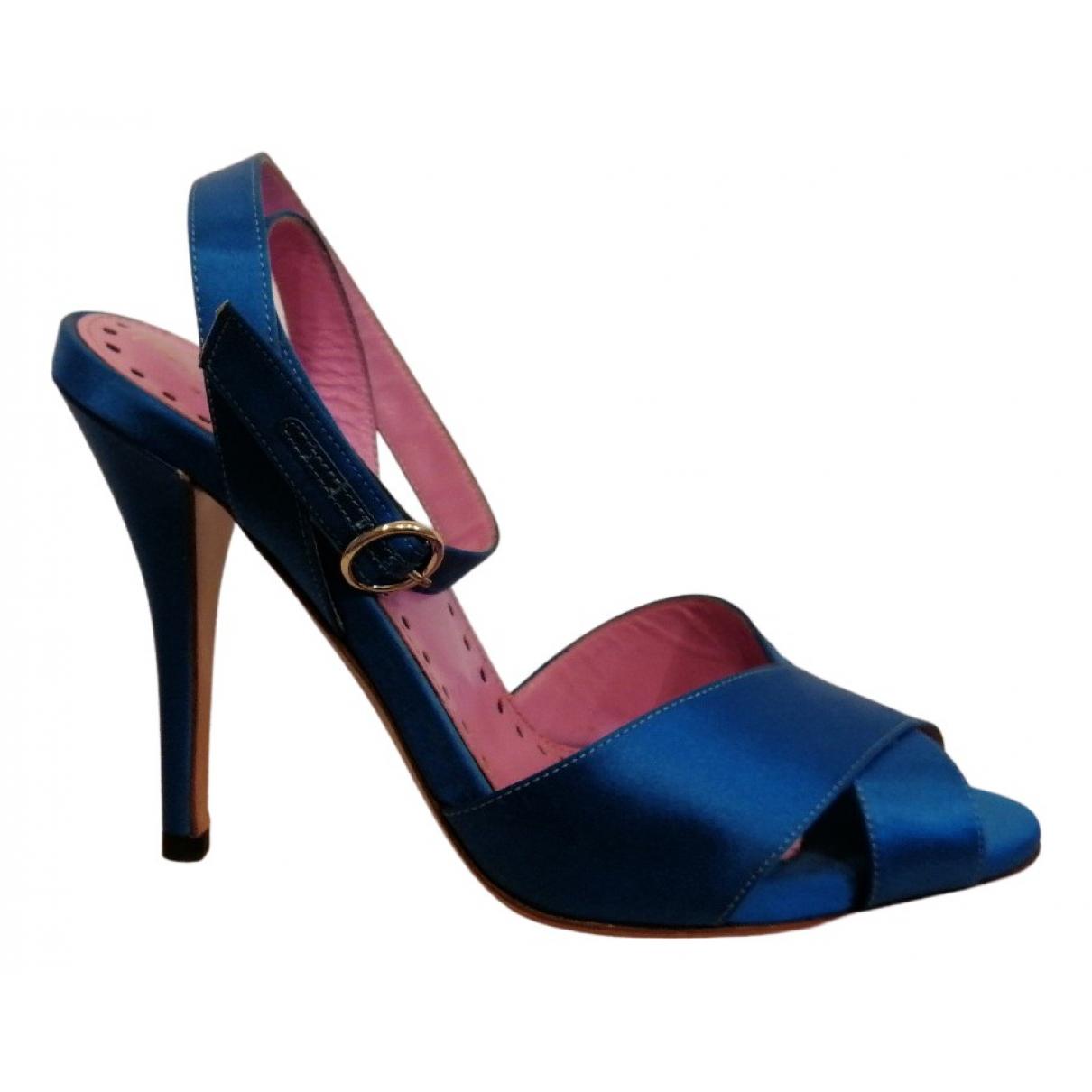 Yves Saint Laurent \N Sandalen in  Blau Leder