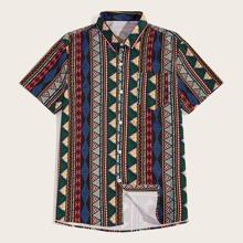 Maenner Hemd mit Stamm Muster
