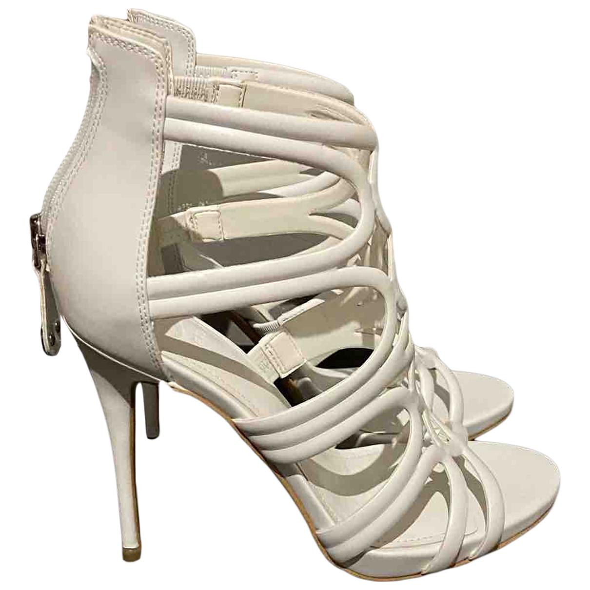Guess \N White Rubber Sandals for Women 37 EU