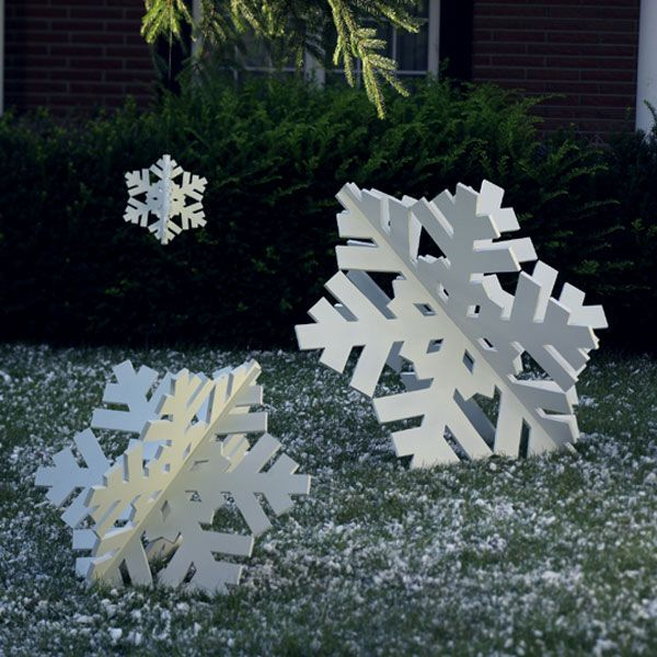 Woodworking Project Paper Plan to Build Super-Sized Snowflake Trio