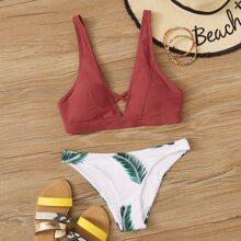 Zufaelliger tropischer Crisscross-Bikini-Badeanzug