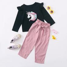 Toddler Girls Cartoon Graphic Tee & Belted Paper Bag Waist Pants