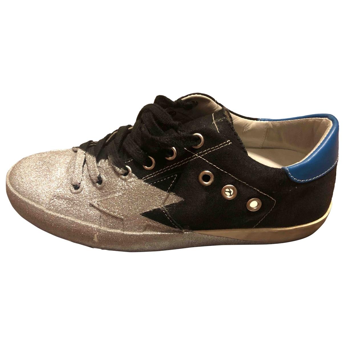 Golden Goose Superstar Sneakers in  Schwarz Leinen