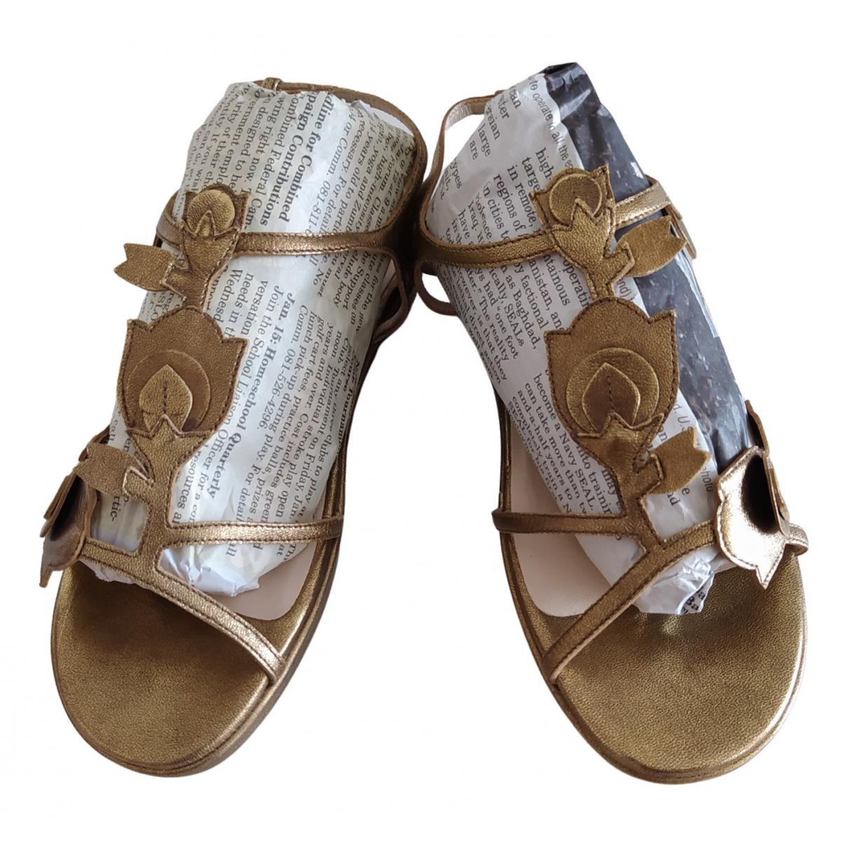 Prada - Sandales   pour femme en cuir - dore