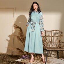 Kleid mit Blumen Muster, Kontrast Kragen und Selbstband