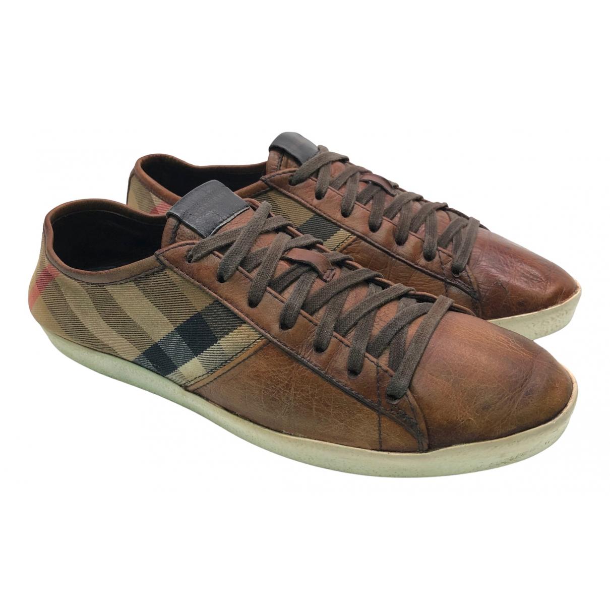 Burberry \N Sneakers in  Kamel Leder
