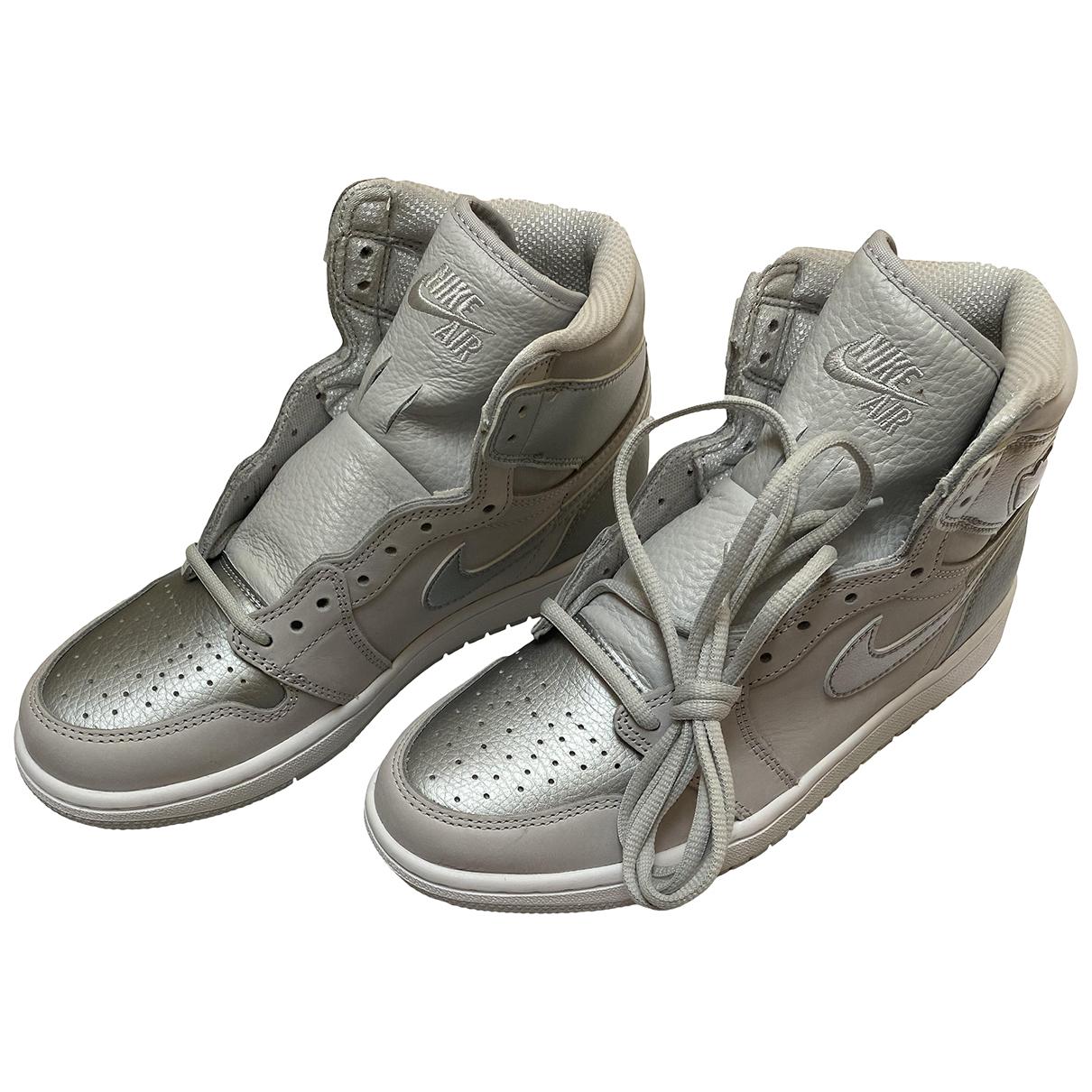 Jordan Air Jordan 1  Metallic Leather Trainers for Men 40 EU