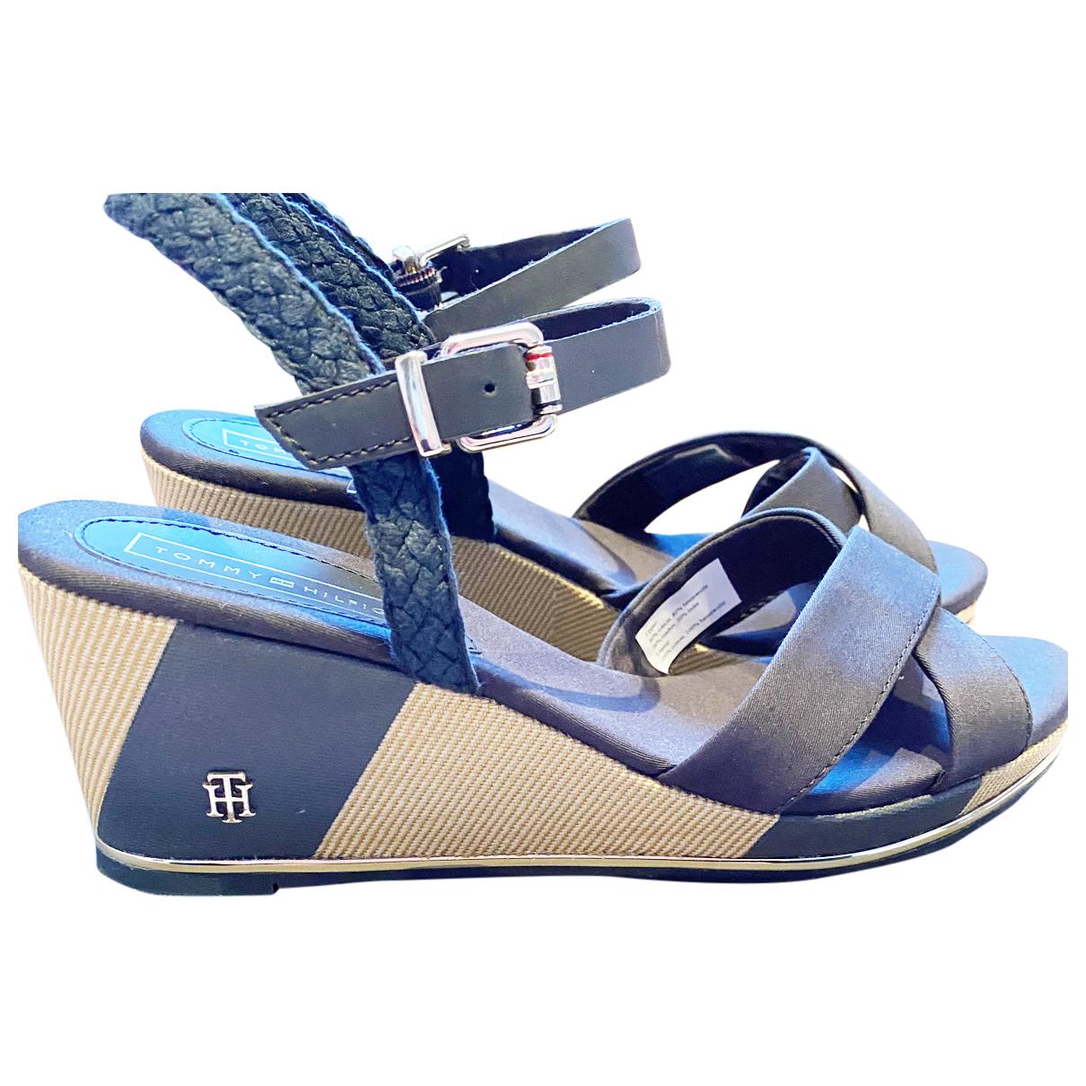 Tommy Hilfiger N Blue Cloth Heels for Women 39 EU