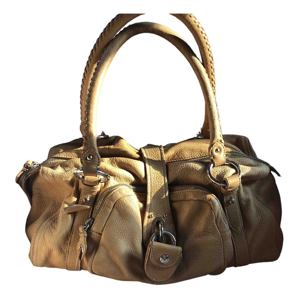 Miu Miu \N Handtasche in  Beige Leder