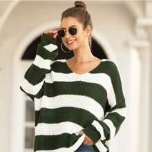 Pullover mit Farbblock und sehr tief angesetzter Schulterpartie