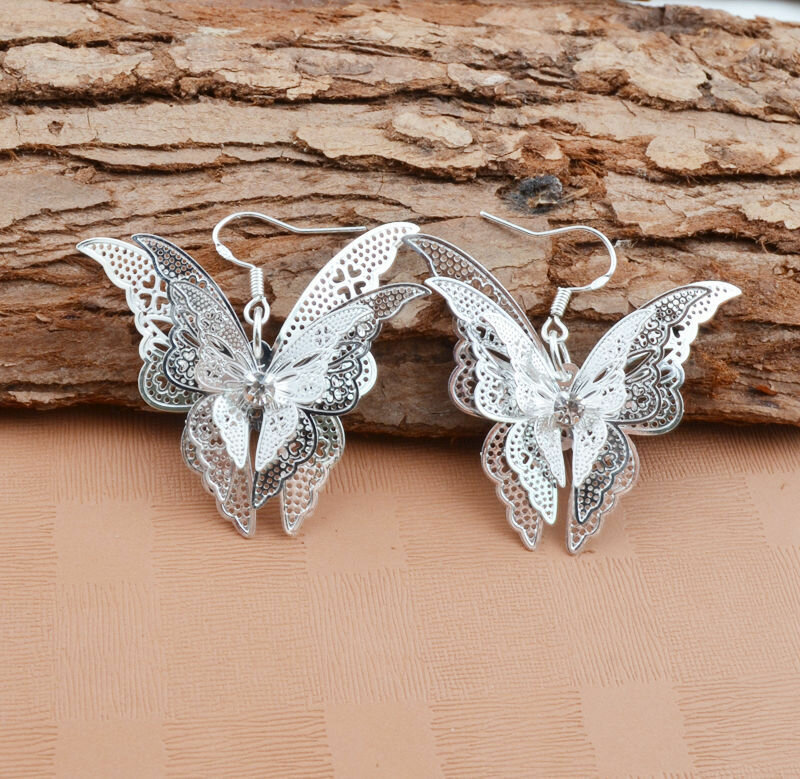 Vintage Metal Geometric Hollow Pointed Tail Butterfly Earrings Temperament Stereoscopic Butterfly Earrings