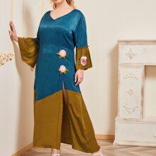 Zweifarbiges Maxi Kleid mit Blumen Applikation
