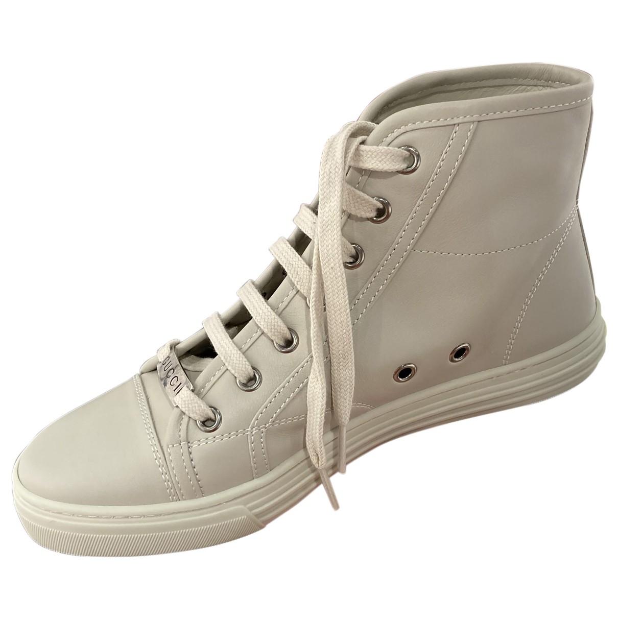 Gucci \N Sneakers in  Grau Leder