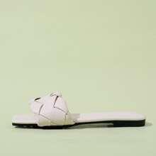 Sandalias con tira trenzada