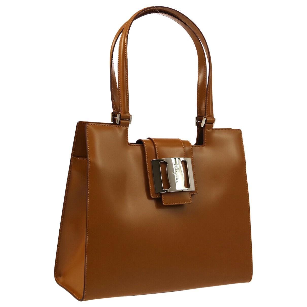 Salvatore Ferragamo \N Camel Leather handbag for Women \N