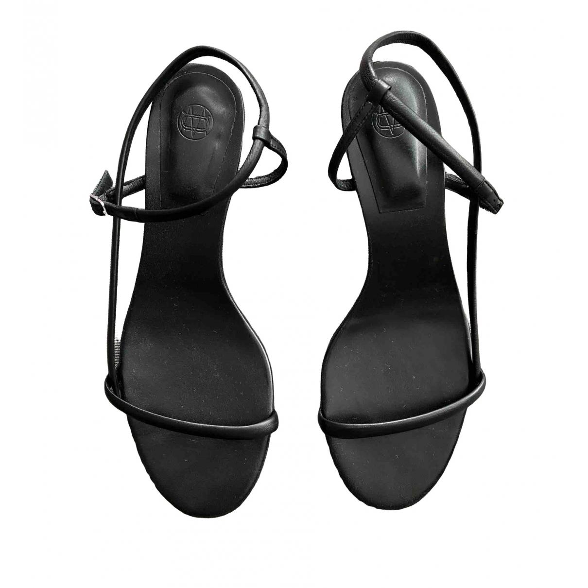 Massimo Dutti \N Black Leather Sandals for Women 39 EU