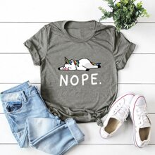 Camiseta con estampado de unicornio de dibujos animados y letra - grande