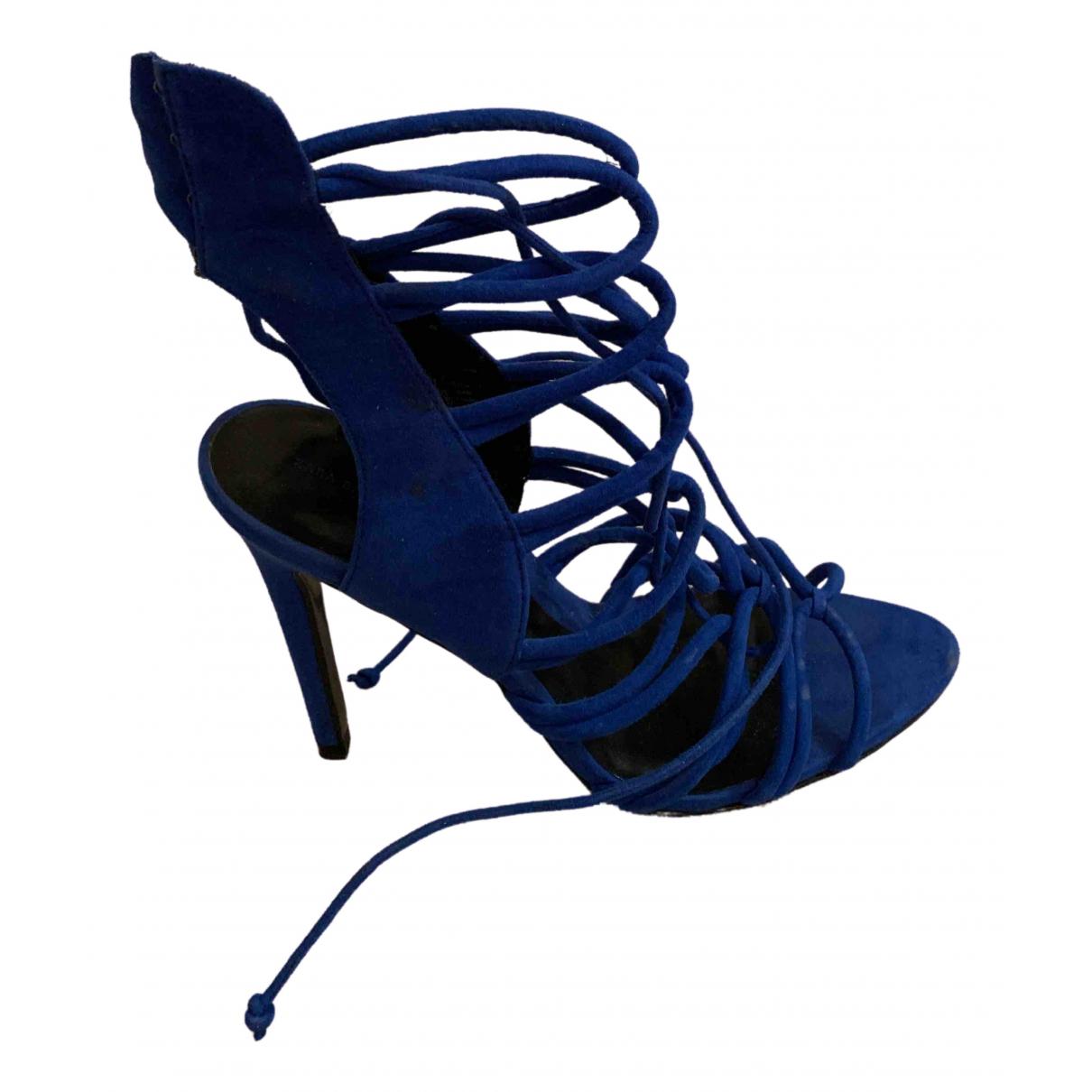 Zara \N Pumps in  Blau Veloursleder