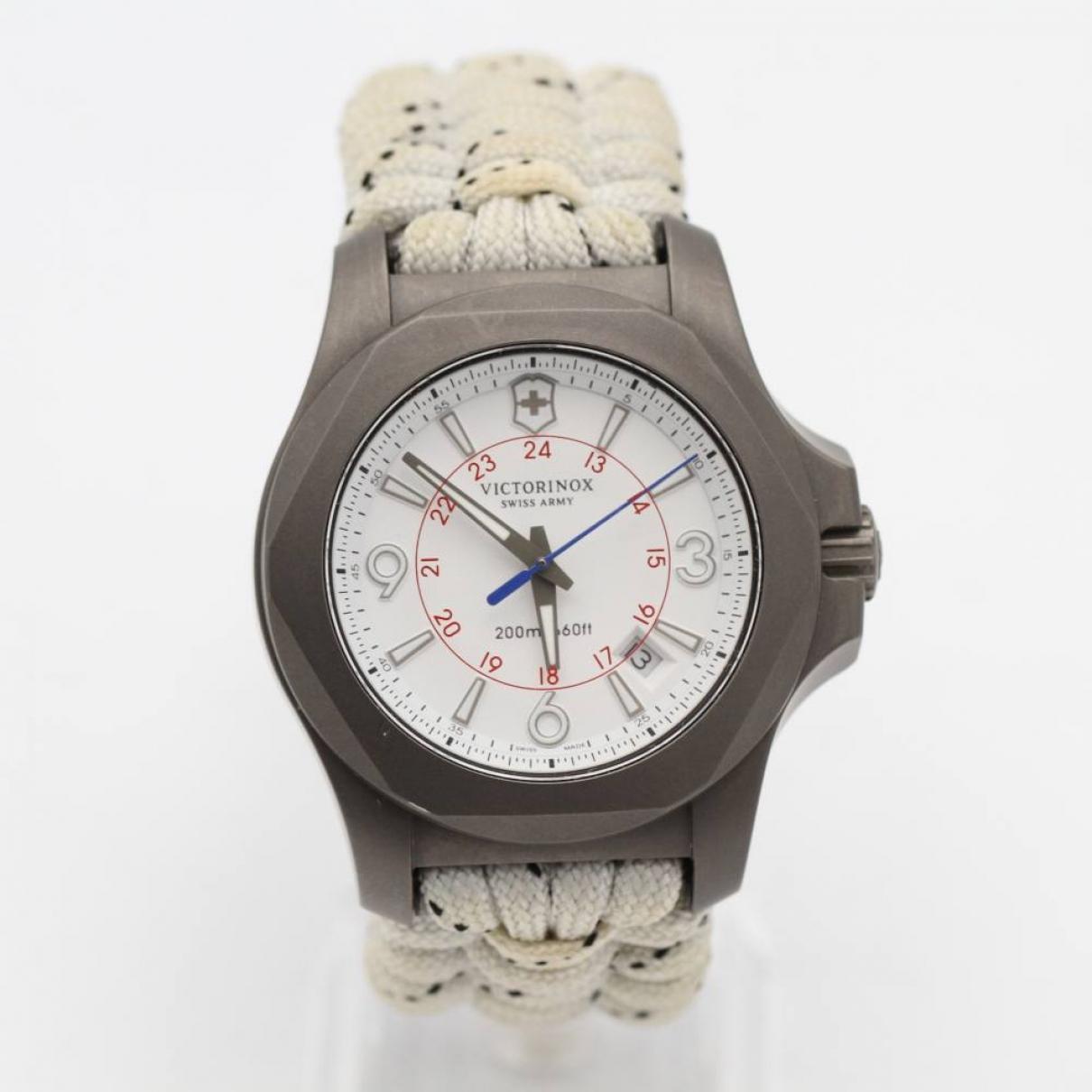 Victorinox \N Uhr in  Beige Titan