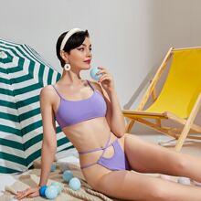 Gerippter Bikini Badeanzug mit Ausschnitt und Tanga