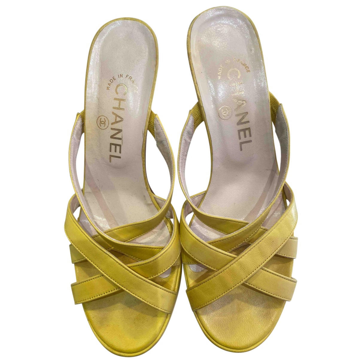 Chanel N Yellow Leather Sandals for Women 38.5 EU