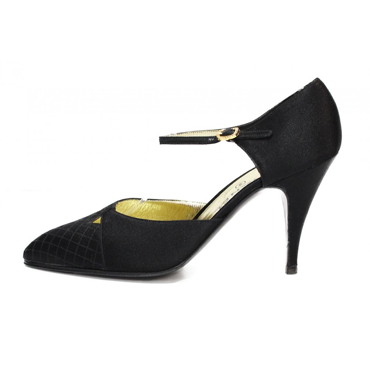 Chanel \N Black Cloth Heels for Women 38 EU