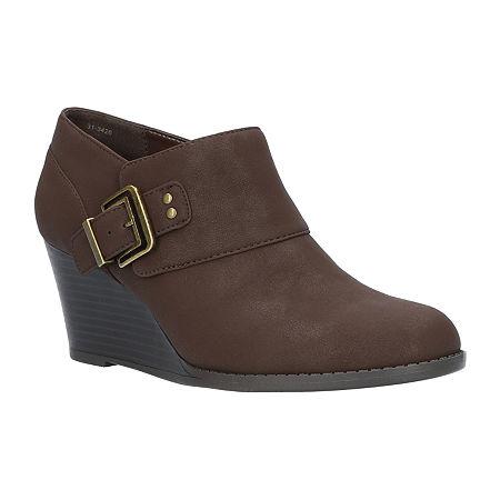 Easy Street Womens Mendi Slip-On Shoe, 8 1/2 Wide, Brown