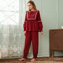 Schlafanzug Set mit Halsband, Spitzenbesatz und Rueschenbesatz
